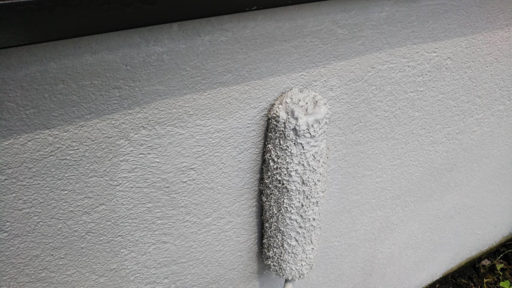 基礎巾木 上塗り