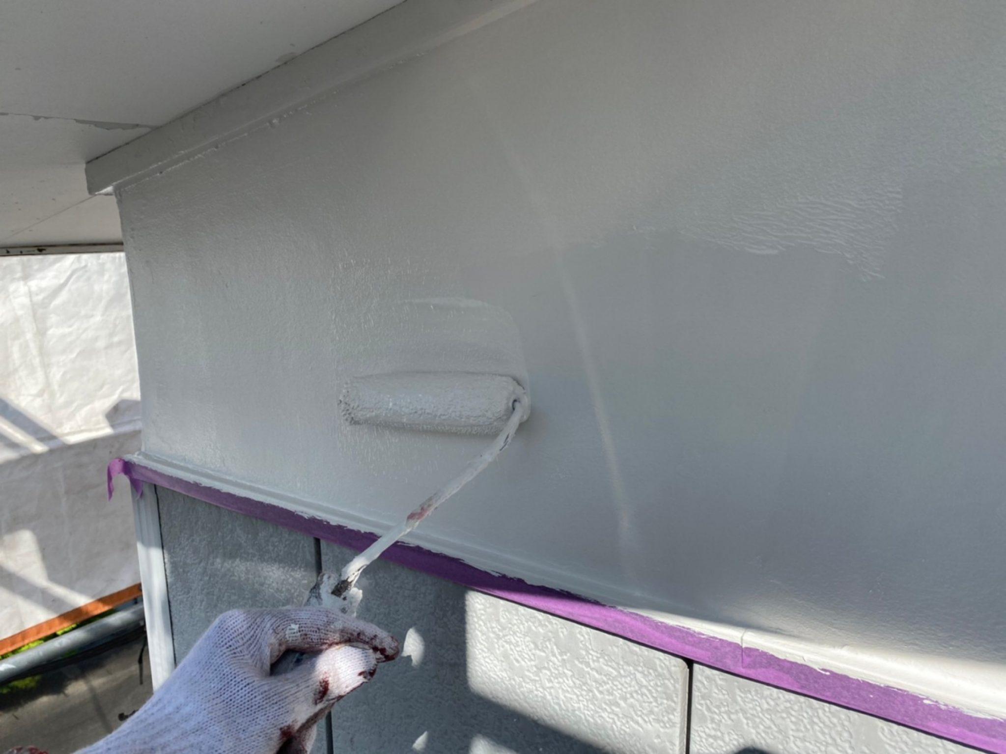 軒天・漆喰壁 上塗り1回目