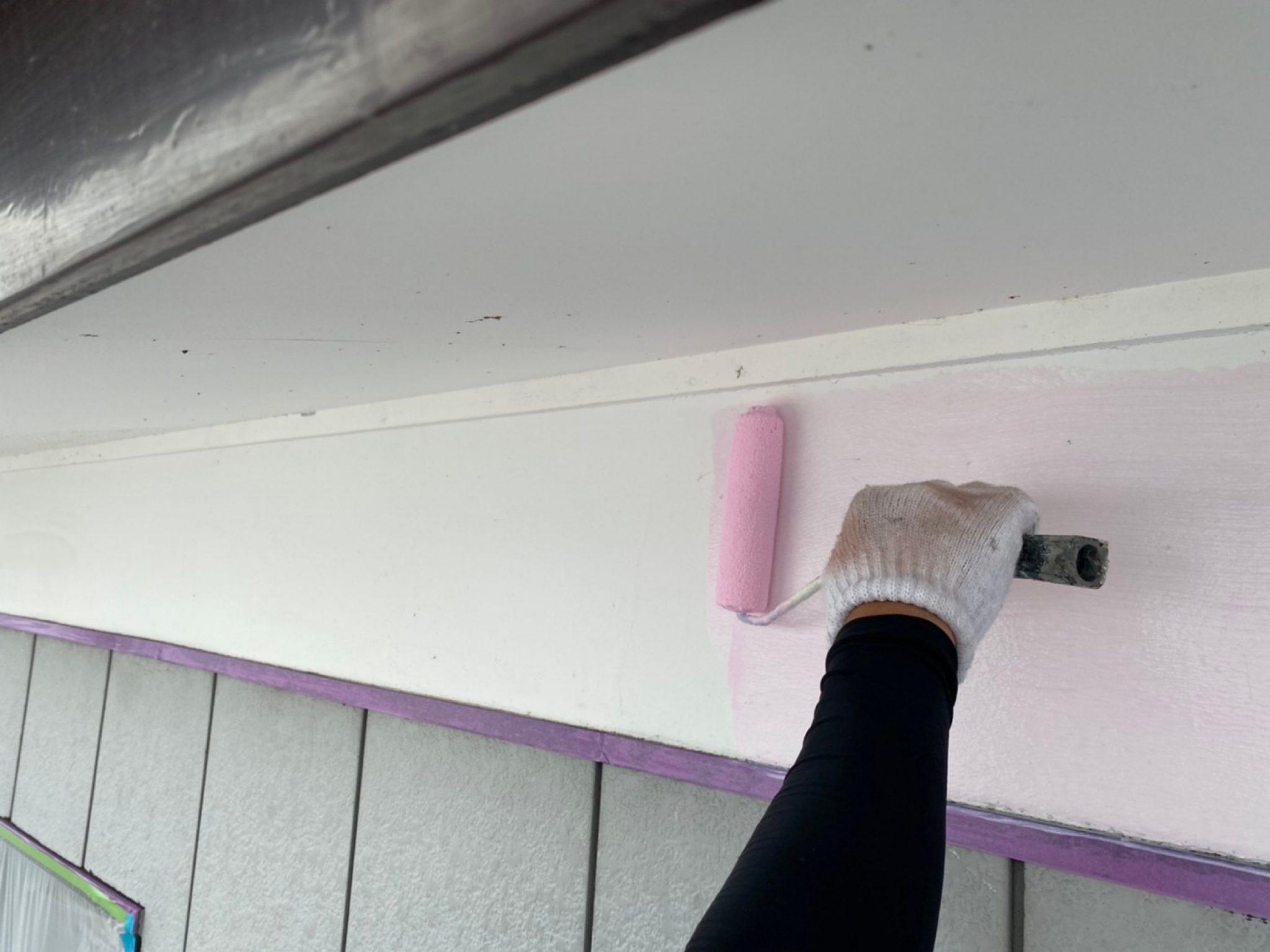 軒天・漆喰壁 上塗り2回目